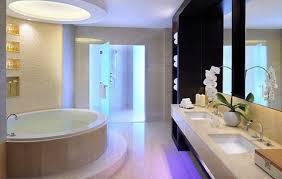 Trang trí phòng tắm khách sạn